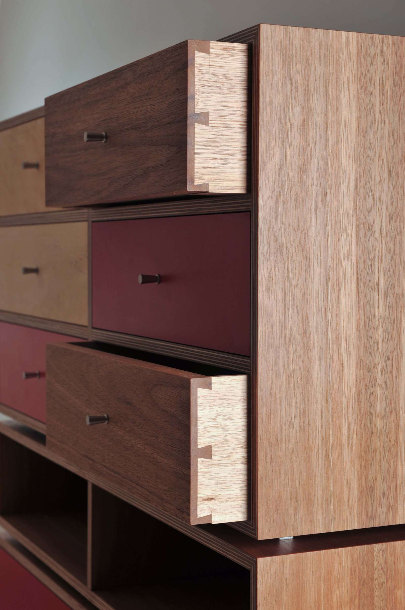 iankea-chest-of-drawers-4 image