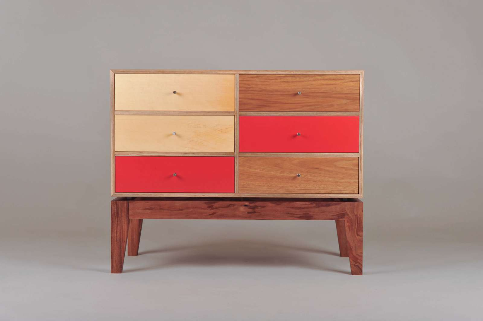 iankea-chest-of-drawers-6 image