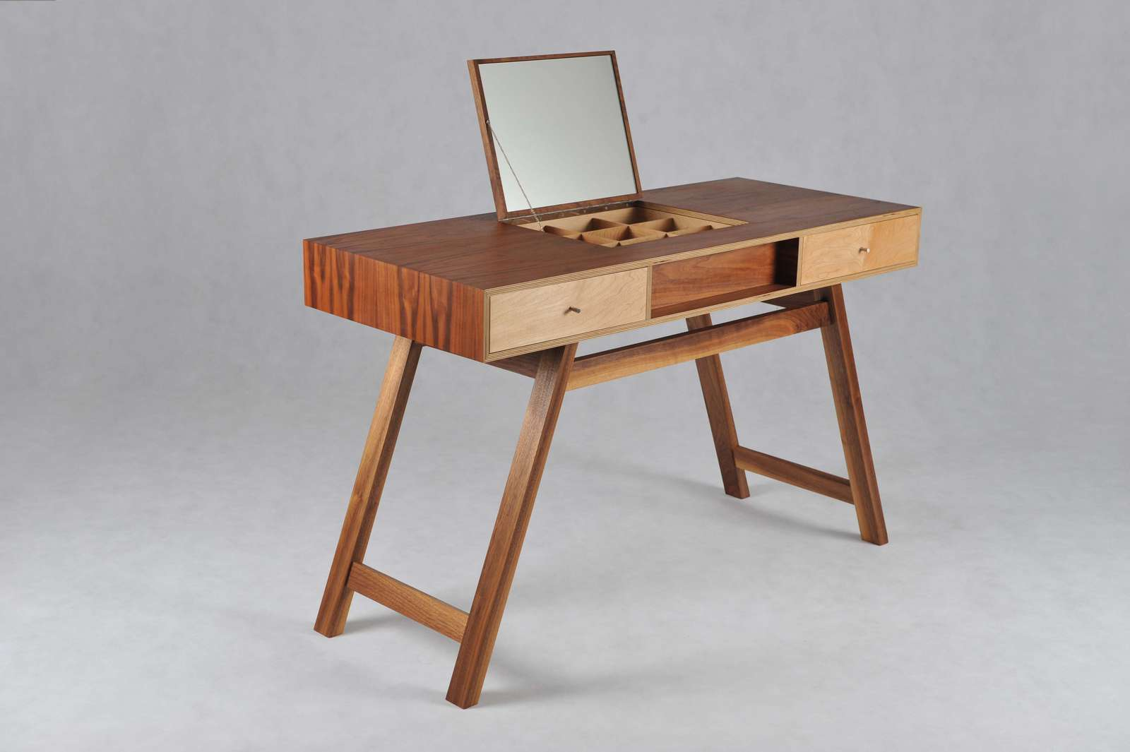 splayed-dressing-table-2 image